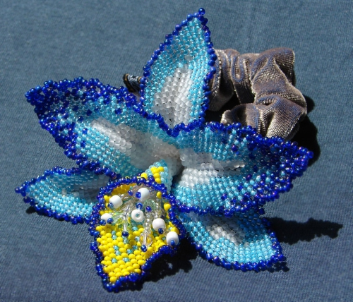 голубая орхидея из бисера