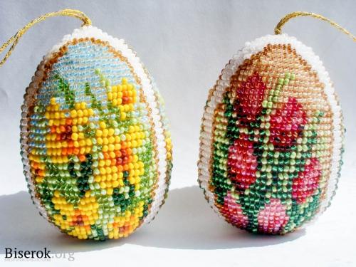 Яйца оплетенные бисером