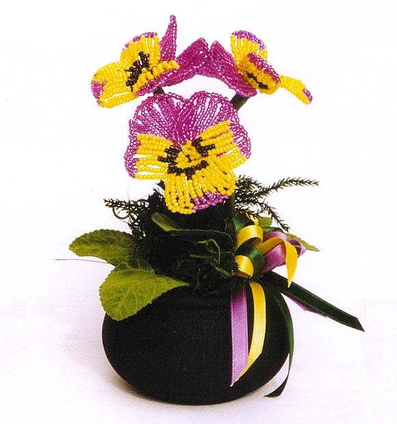 Как сплести красивый цветок Анютины глазки из разноцветного бисера и другого материала.  Описание работы плетения и...
