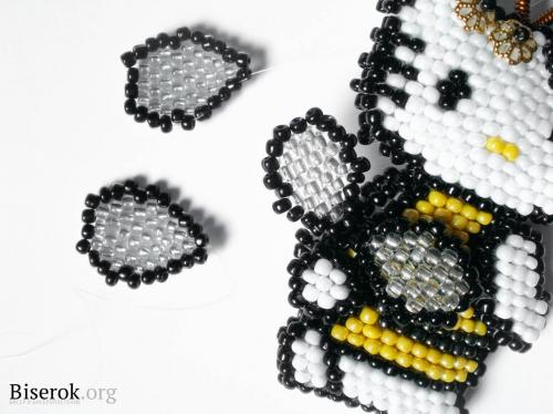 китти-пчелка из бисера