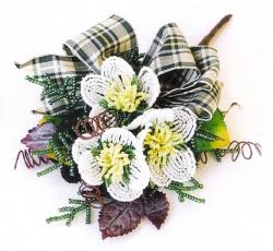 Простой и очень красивый букет цветов из бисера.  Как сплести нежный бисерный букет по схеме и описанию.