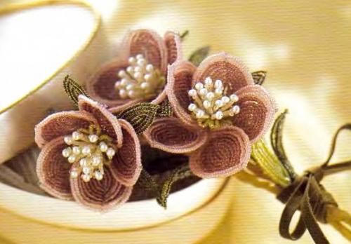цветы из бисера. цветы кофейные.