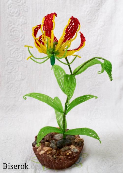 готовый цветок из бисера
