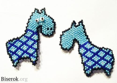 плетение коня. конь из бисера.