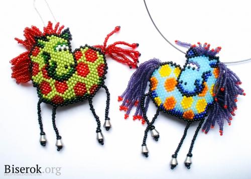 http://biserok.org/loshad-simvol-2014-goda.  Лошадка из бисера.  Итак, сегодня будем плести лошадку.