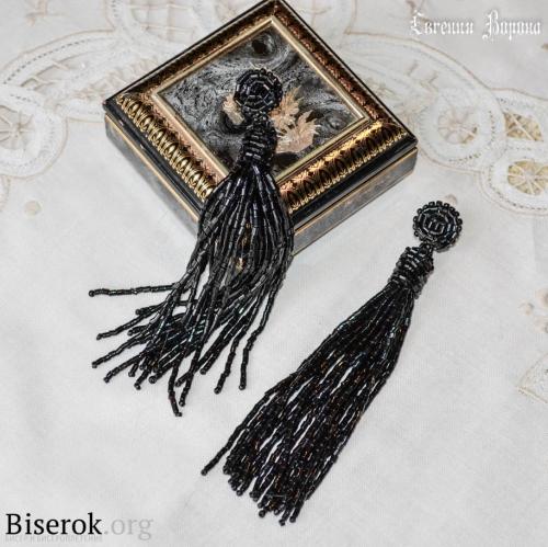 черные серьги из бисерной рубки
