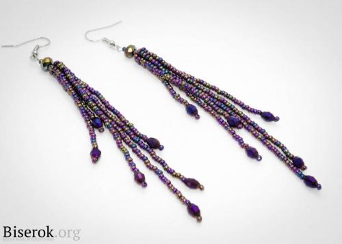 Хочу поделиться с вами идеей плетения вечерних сережек из бисера.  Такие вот чудесные висюльки вы можете сделать...