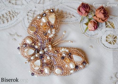 Бабочка из бисера, жемчуга и бусин схема плетения
