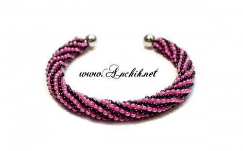 розовый браслет