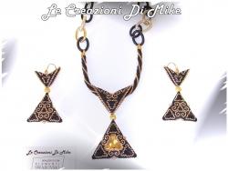 мозаика, треугольники из бисера в мозаичной технике с риволи, схема, мастер-класс, кулон серьги
