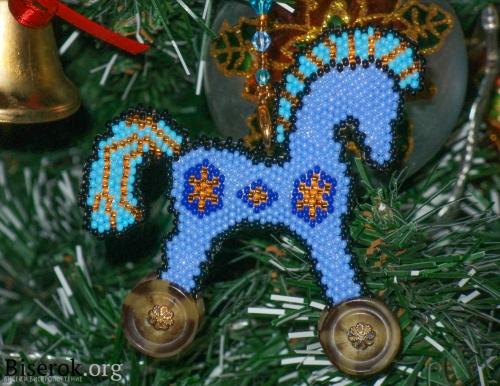 голубой конь