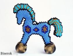 конь из бисера