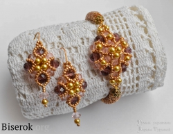 Очень красивый браслет из бисера и бусин с вязаным золотистым бисерным жгутом, очень простая схема плетения для новичков, мастер-класс, вязание жгута из бисера, плетеная бусина из бисера