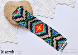 Браслет мозаикой с ярким орнаментом