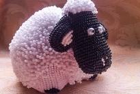 Мастер класс «сувенирная овечка из бисера»
