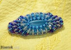 голубая заколка