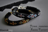 стильные вязаные браслеты с крестами