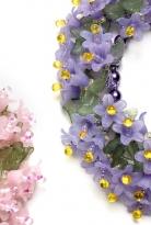 Яркий цветочный браслет
